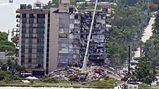 Zřícení části výškové budovy na Floridě má již 78 obětí, záchranáři nadále pátrají po 62 lidech