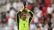 Německý brankář Neuer způsobil rozruch. Jeho duhovou pásku šetřila i UEFA, trest ale neudělila