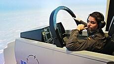 Pot stíhačů, křídlo tři metry od křídla. Pardubický letecký simulátor využívají i spojenci z NATO