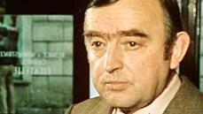 Zemřel herec Karel Urbánek, horlivý příslušník VB z oblíbeného seriálu Chalupáři. Bylo mu 91 let
