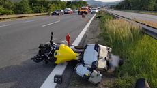 Dálnici D5 před Prahou uzavřela nehoda auta a motorky, provoz už byl obnoven