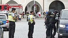Muži, který zadržoval ženu v Českých Budějovicích, hrozí za braní rukojmí až 12 let vězení