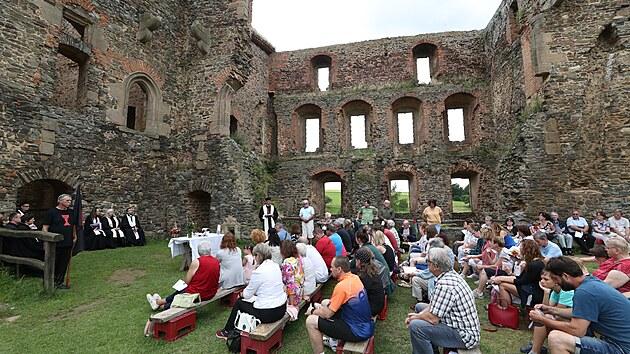 Ve zřícenině hradu Krakovec proběhla bohoslužba Církve československé husitské.