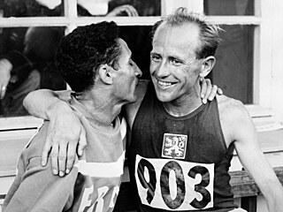 1952: olympijské hry ve znamení studené války a krvavá bitva v bazénu roku 1956