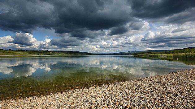 Jezera na severu. Kam za průzračnou vodou a kde vzniknou další místa ke koupání?