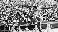 Jak na olympiádě startoval budoucí Tarzan a proč se Čechoslováci skládali na svou výpravu
