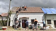 Asi 90 procent území zasažených obcí na Moravě je uklizeno od suti a zbytků stromů, pokračují demolice