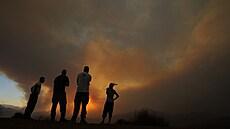 Během lesních požárů na Kypru zemřeli čtyři Egypťané. Vláda čeká na pomoc hasičů z ciziny