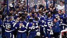 VIDEO: Stanley Cup po roce získala opět Tampa Bay, slaví také Rutta s Palátem