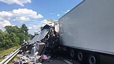 Hromadná nehoda na D1 ve směru na Prahu si vyžádala jednu oběť. Provoz na místě byl již obnoven