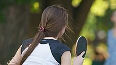 Policie obvinila trenéra stolního tenisu, měl masírovat nahou nezletilou dívku