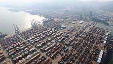 Horší než Suez: obří přístav v Číně přišel o dělníky, světu hrozí další vlna zdražování i nedostatek zboží