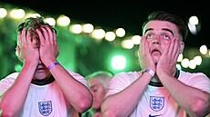 Pandemii nanovo rozdmýchal fotbal. Nejvyšší nárůst případů Británie registruje u mladých fanoušků