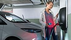 Stát a ČEZ podpoří stavbu továrny na baterie pro elektromobily Gigafactory. Záměr schválila vláda
