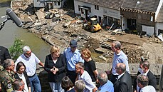 Němčina nemá dostatečně hrozná slova pro zkázu způsobenou záplavami, řekla Merkelová