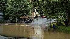 Silný déšť zkomplikoval dopravu v Liberci, některé ulice museli uzavřít. Situace je problémová i na Děčínsku