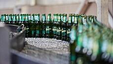 Pivovary Staropramen zvedly zisk téměř o čtvrtinu, kvůli zavřeným hospodám se ale dostaly do provozní ztráty