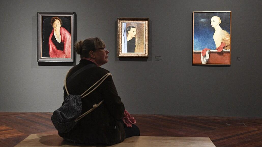 Hrdý vlastenec žijící v Paříži. Malíře Josefa Šímu zasáhla válka tak, že deset let nemaloval