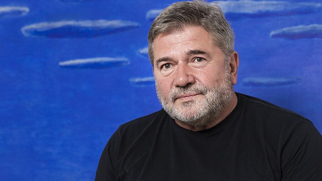 ČSSD vklouzla do galoší ODS, zprofanovala se úplně stejně, říká Jan Kalvoda. K budoucnosti je skeptický