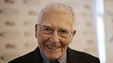 Vše nejlepší, pane Lovelocku. Strůjce hypotézy Gaia slaví 102 let, Zemi popsal jako velký živý organismus
