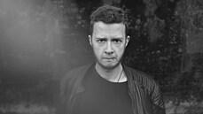 Žijme co nejparádnější životy, vybízí hudebník, spisovatel a výtvarník Jakub König
