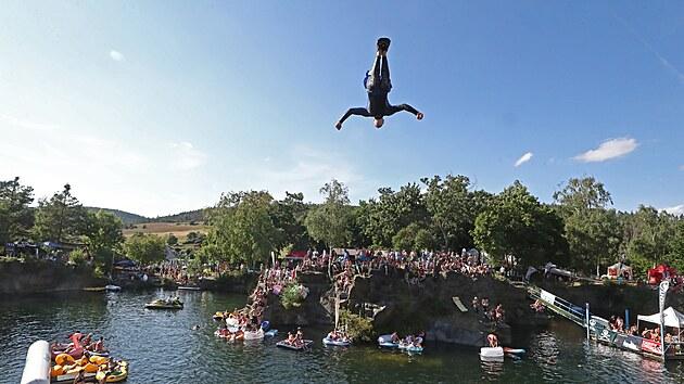 Festival skoků do vody High Jump v Hříměždicích, 31. července 2021.