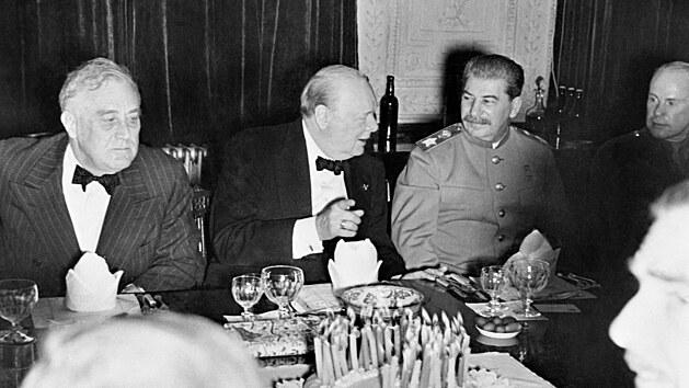 Draze zaplacený triumf. Sověti uspěli v dosud nejtěžší zkoušce, druhá světová válka ale odhalila i jejich slabiny
