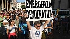 V Itálii chtějí k očkování donutit, plánují povinnou vakcinaci. Odpůrců téhle strategie mezi politiky příliš není