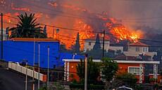 Ohnivé divadlo na La Palmě pokračuje. Sopka stále chrlí lávu, zničila více než sto domů