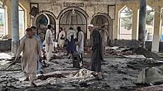 Atentátník se odpálil v mešitě v severním Afghánistánu. Zemřelo nejméně 50 lidí, další jsou zraněni