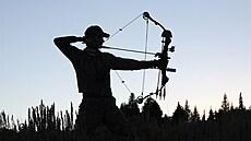 Na kance s lukem a šípy. Zvýší se počet lovců zvěře díky novele zákona?