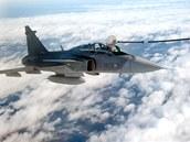 Čeští piloti gripenů se ve Švédsku učí doplňovat palivo za letu