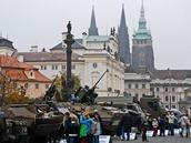 Armáda ukazuje na Hradčanském náměstí, jak se proměnila její technika a výzbroj za uplynulých dvacet let.