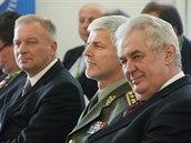 Prezident Miloš Zeman, náčelník generálního štábu Petr Pavel a bývalý ministr obrany Vlastimil Picek na národní konferenci 15. let Česka v NATO na Pražském hradě