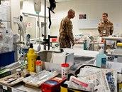 Čeští lékaři v polní nemocnici v Kábulu
