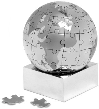 Globe Magnetic Puzzle (www.iwantoneofthose.com)