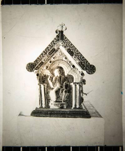 Předválečný snímek relikviáře – čelní strana.