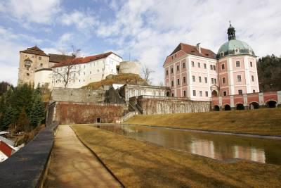 Zámek v Bečově nad Teplou.