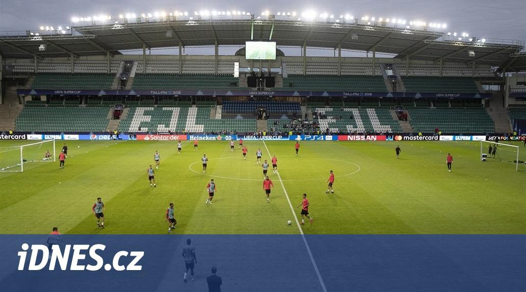 Hraje se na patnáctitisícovém stadionu v Tallinu, do metropole Estonska